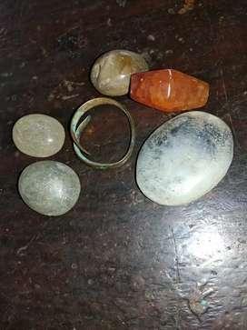 Batu akik dan cincin temuan di desa kondisi apa adanya seperti di foto
