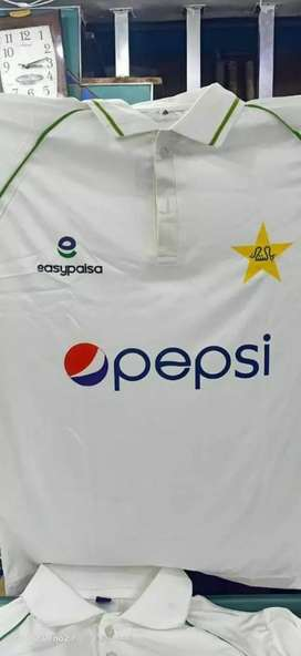 Good Quality White Cricket kit.
