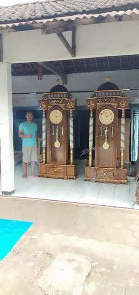 Almari jam hias Masjid kubah masjid kayu jati