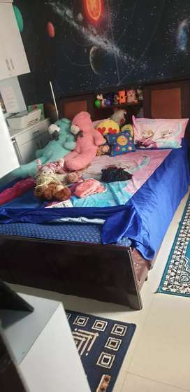 Queens  bed