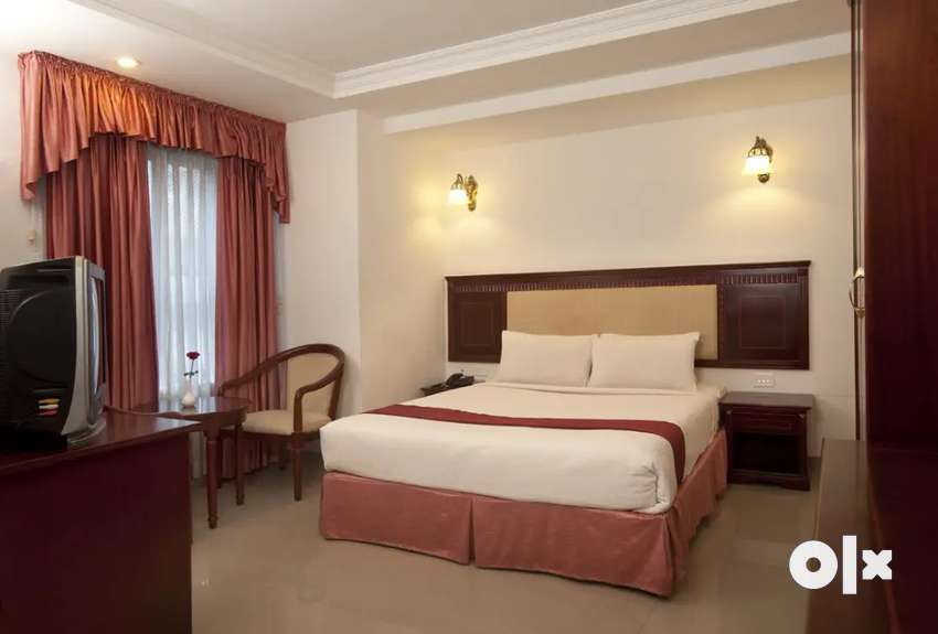 3 star hotel with restaurant and 23 rooms near medical trust MG road 0