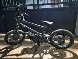 Sepeda bmx pakai mesin dari kharisma