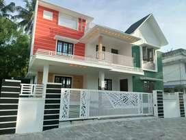6.cent 2500 sqft 5 bhk posh house at kakkanad kangarapady