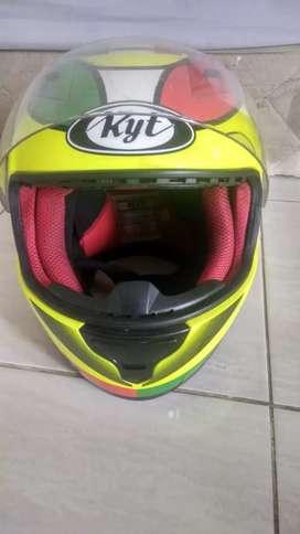 Helm KYT RC7 italian champion