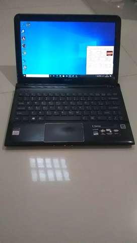 Sony Vaio E Series Slim - AMD E2 - LCD 11.5 inch - 300GB - 4GB RAM