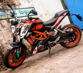 KTM/DUKE 390 ABS IN MINT CONDITION.PRICE NEGOTIABLE.Exchange available