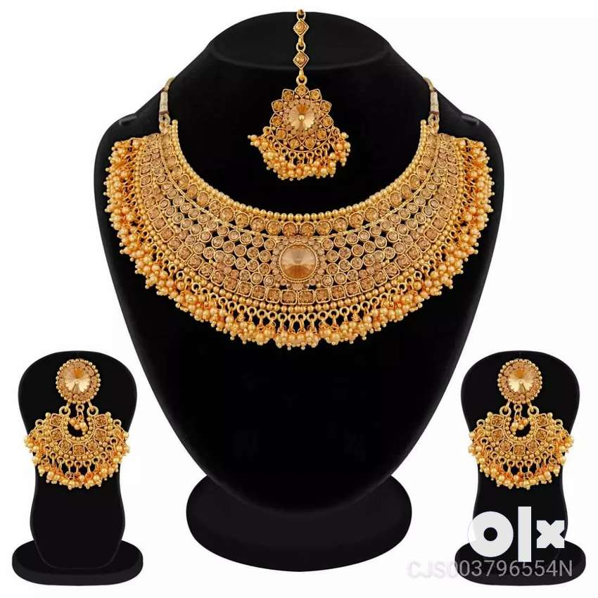Gold color Jewelry set 0
