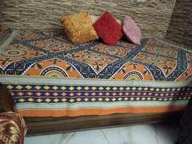 Dewan bed,box bed