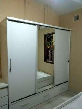 Furniture lemari pakaian pintu 3