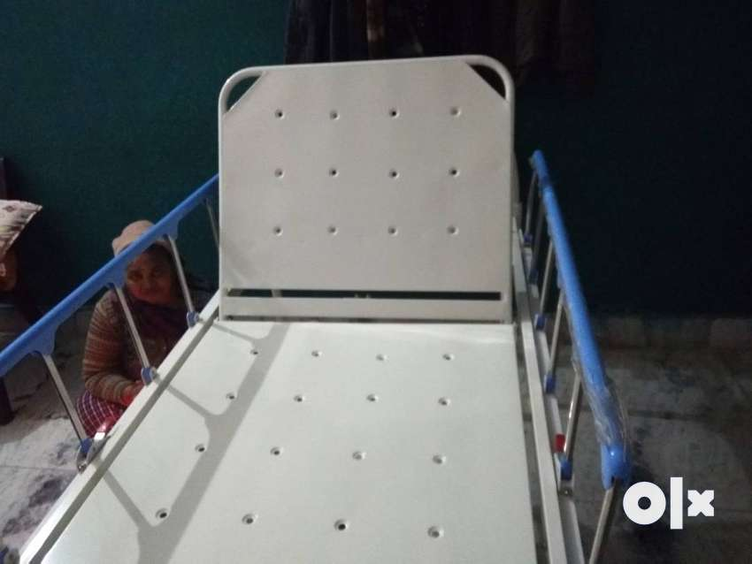 Bed for patients @10000