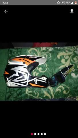 Helm fox v1 sz M
