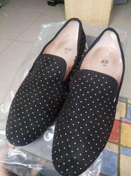 Sepatu H&M uk 39