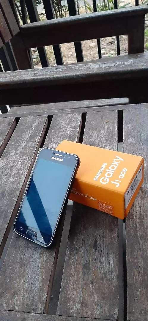 Samsung Galaxy J1 Ace 0