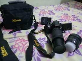 निकॉन 5200 डी कैमरा बहुत अच्छा कंडीशन में है