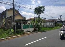 Rumah Komersil Tepi Aspal Dekat Bugisan Sonopakis Sonosewu Madukismo