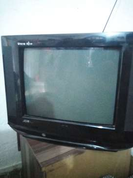 China TV UDM series for sale good condition only 6000