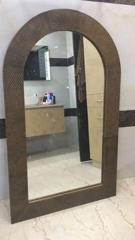 A round Mirror