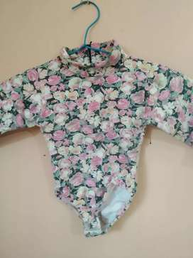 Jumper baby import motif bunga