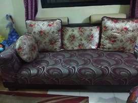 Sofa Set well maintained