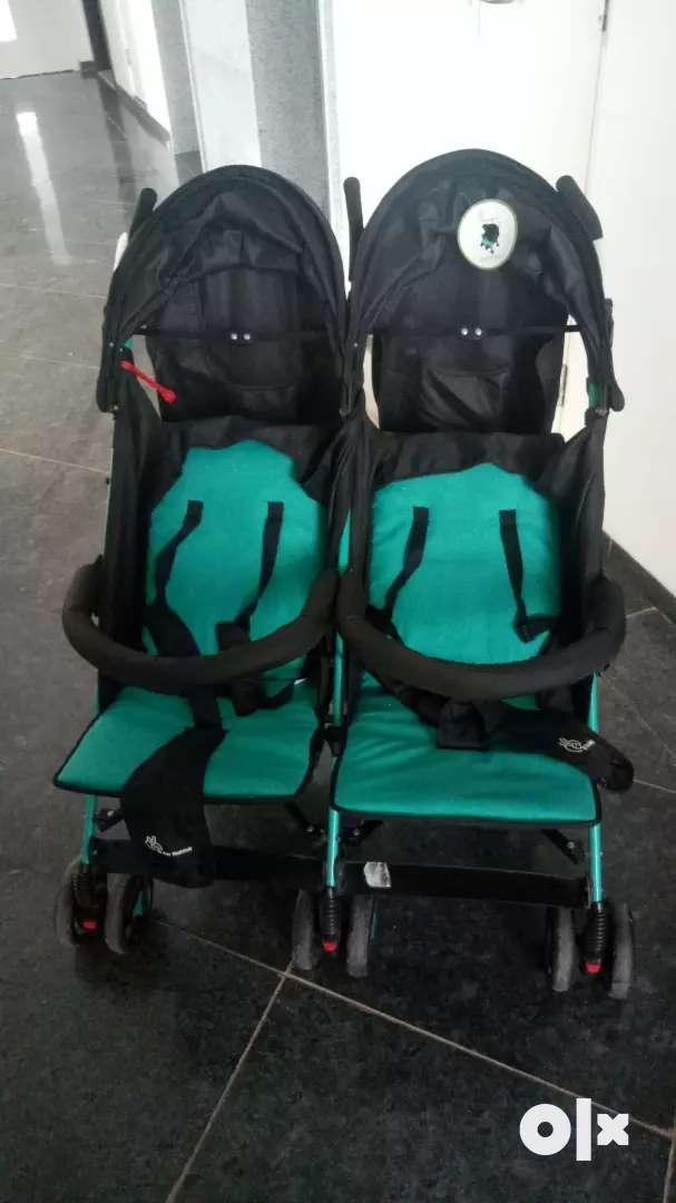 twin baby trolley 0
