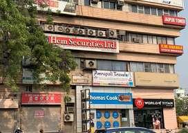 Commercial office/Showroom facing main MI road jaipur tower     d ,