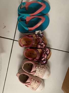 Jual sekaligus sepatu, sandal merk trace dan sandal jepit merk flipper