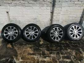 Tyres with rims