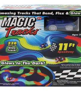 11Ft Glow in the Dark Race Track with 1 Car