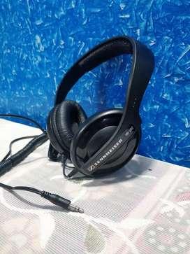 Sennheiser HD202 over ear Headphones