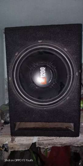 Jbl 1200 watt subwoffer and 2 channel amp for sale