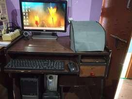 Compaq Intel Dual Core E2160 1GB/250GB PCwith Computer Table