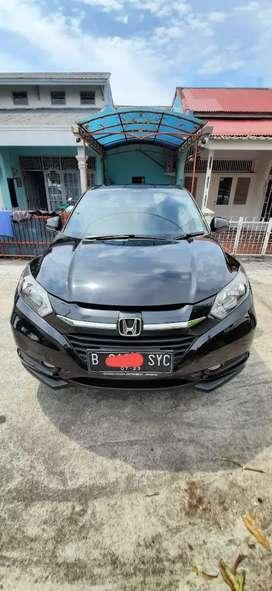Honda HR-V Triptonic Tipe E CVT 2018 Hitam Mutiara