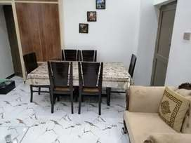 6 seater dining in well condition