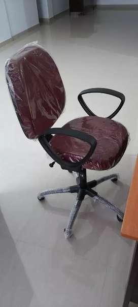 Fresh pec computer chair