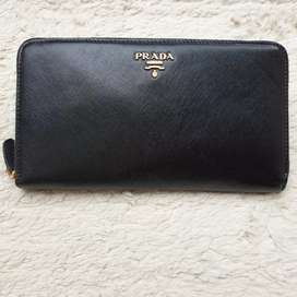 Dompet import eks PRADA milano made in Italy hitam klit asli ad no sri