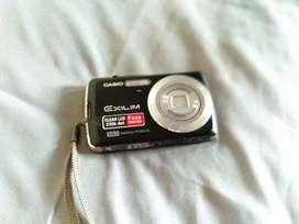 Camera Casio Exliim EX - Z35