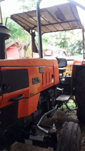 कडकcondition   503 hp Well matain tractor. New battery xcide  .
