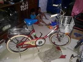 Sepeda mini antik, new old stok,ada karat dikit karena penyimpanan