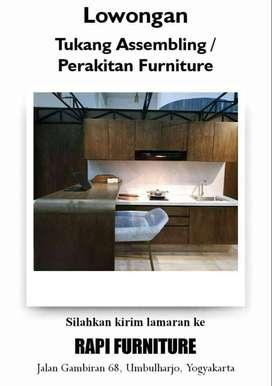 Tukang Assembling / perakitan furniture