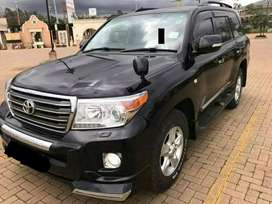 Toyota land cruiser v8 for sale in lahore