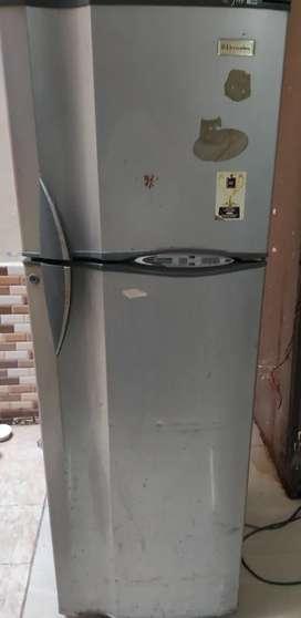 Electrolux double door fridge 4000