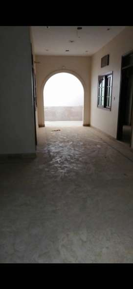 140 Yard House for sell in johar