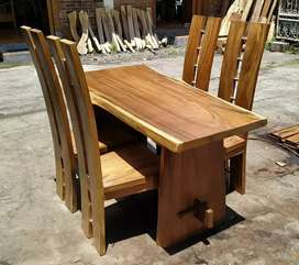 Meja makan polos trembesi mewah kursi