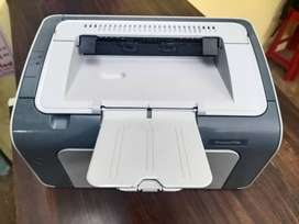 B) HP LasarJet Printer Sale A1 Condition Only 4200/- me