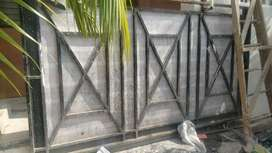 M S heavy Compound Gate 9 feet by 5 feet