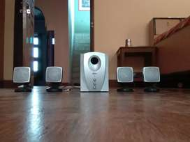 RAY V speakers with ultimate woofer
