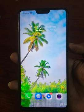 OPPO F7  , 18 Months  old  , no charger , no earphones , No scratches