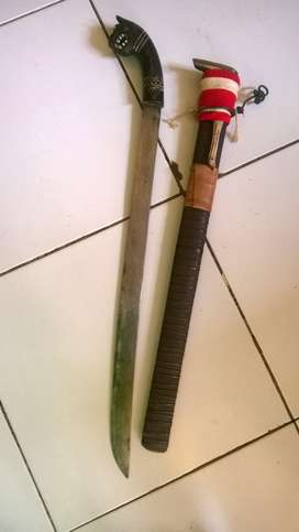 Golok kepala Macan tanduk aseli.Banten