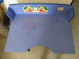Kid table for sale