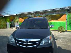 Toyota avanza 2010 hitam